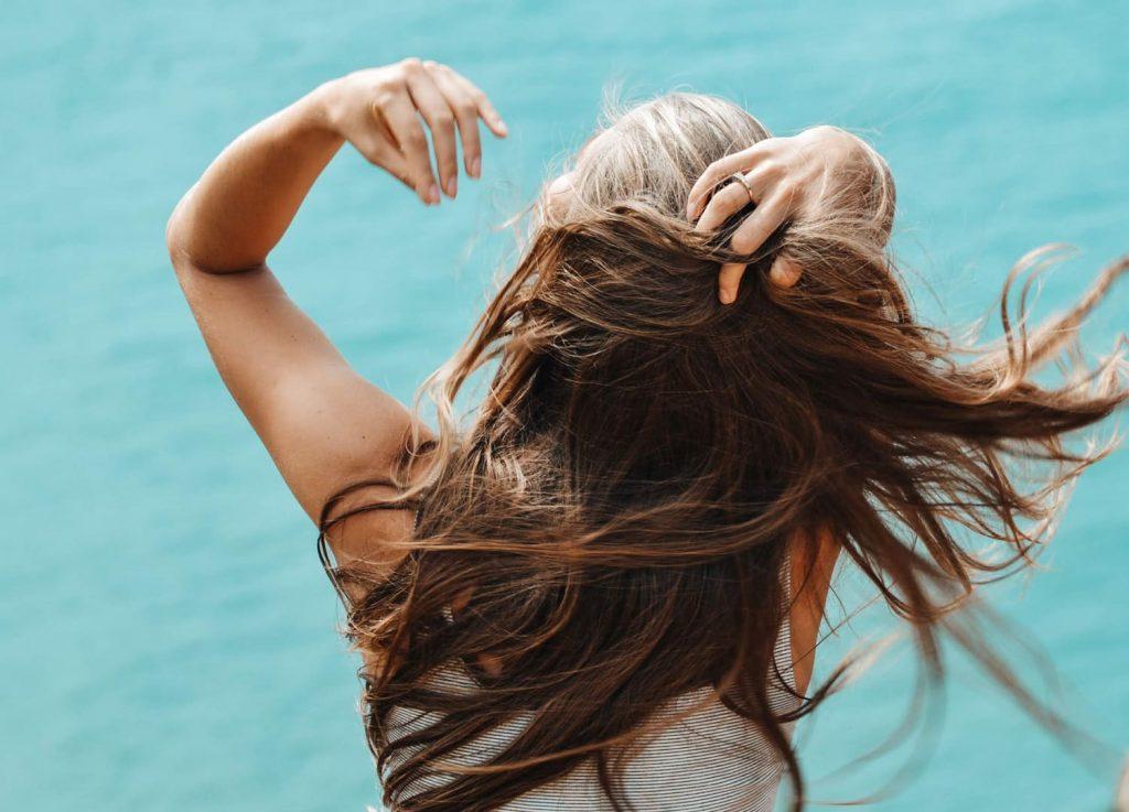 Vitamina E para que serve: aumento do crescimento do cabelo